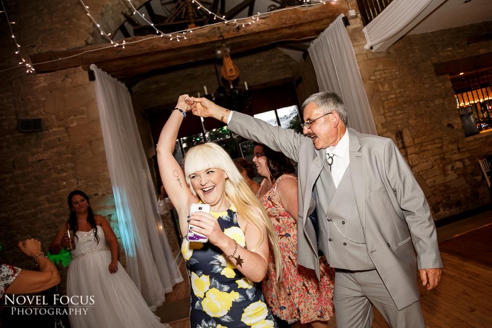tetbury reportage wedding phtoography