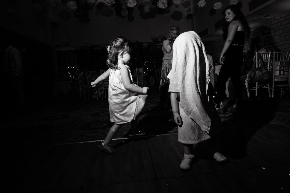 reportage wedding photography at ellenborough park cheltenham